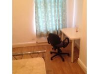 1 Bed room BILLS INCLUDED in shared house, close to transport amenities, university Oxford Rd