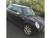 Mini Cooper hatchback,full MOT until 19th January 2018,selling due to new car.