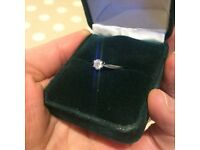 Simply stunning 18ct white gold 0.33ct diamond ring Size medium. Only worn a few times.
