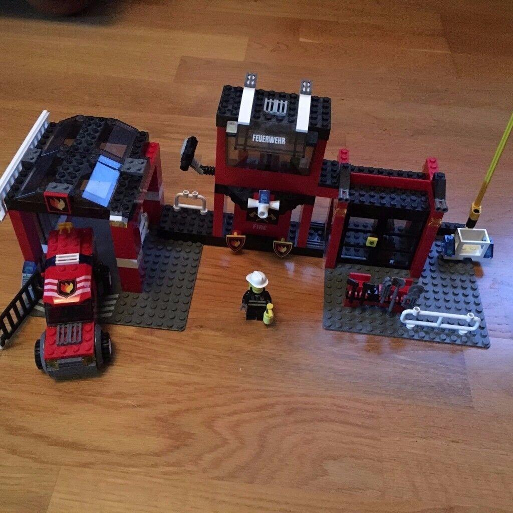 LEGO CITY -7240 FIRE STATION