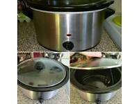 Large Slow cooker. Full working order