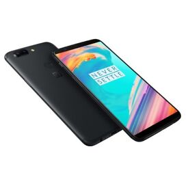 OnePlus 5t, perfect condition! Unlocked, original box, charger and 2 cases!