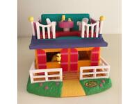 Polly Pocket horse and stables