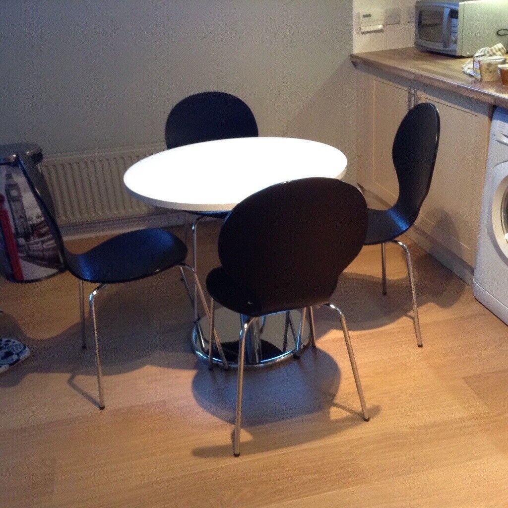 Nearly New Dining Table 4 Chairs For Sale Is 80 Centimetres Diameter 31 Inches Hamilton