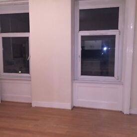 2 BEDROOM FLAT IN NEW CROSS TWO MINUTES FROM TRAIN STATION CALL NOW