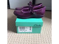 Clarks girls shoes - Brand new with box - size 1 (Euro 33)!!,