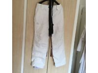 Women's white new ski pants . Never worn size small / medium £25 Ono. Buyer to collect .