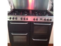 Range cooker with 8 burners, 2 ovens, grill Size 100cm wide