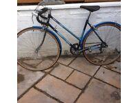 Road racing bike vintage chrome rims drop bars ceterpull brakes retro seat weinman brakes