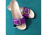 New next sandels.