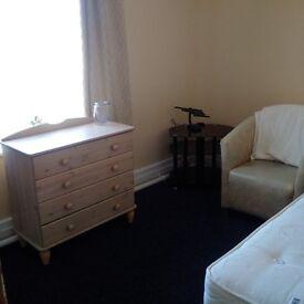 en-suite room to let bispham blackpool £75 per week all bills inculded
