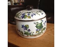 Villeroy and Boch enamel cooking pot vintage