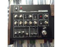Roland SH1000 vintage analogue synthesizer