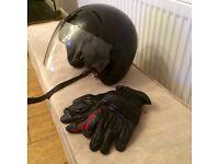 Men's motorcycle/scooter helmet & leather gloves
