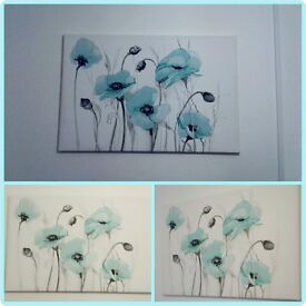 Turquoise flower print canvas