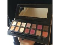 Modern Renaissance makeup palette by Anastasia (Beverly Hills)