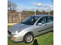 SILVER FORD FOCUS