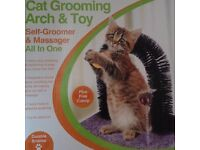 Cat/kitten grooming arch & mouse toy