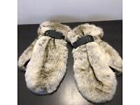 Gloves fake fur