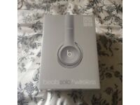 Dr Beats Solo2 Wireless Headphones Silver. BRAND NEW UNOPENED IN BOX.