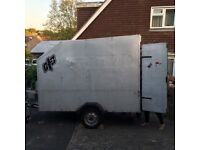 8ft x 4ft trailer, lightweight,good condition, all the electrics work, easy to tow