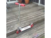 Used 'Flashing Storm' Micro-Scooter with working lights.