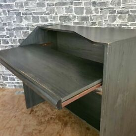 Computer Desk with Pull Out Tray