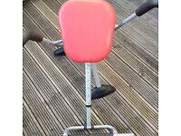 Abdominal swinging exercise machine