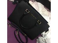 Black Michael kors Selma large bag perfect condition like New