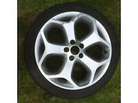 Ford Focus ST2 alloy wheel and tyre