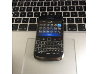 Perfect CHEAPIE = BlackBerry 9700 Bold Unlocked Mobile SmartPhone in Black + Charger