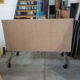 Verco folding table maple effect