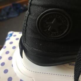 Black converse size 5