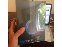 BRAND NEW UNOPENED BEATS SOLO 2 ACTIVE WIRELESS BLUE