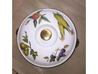 Royal Worcester round casserole dish