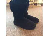 UGG AUSTRALIA TALL LADIES BOOTS SIZE W10- UK 8 FOR SALE £30 ONO