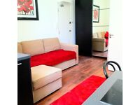 **HIGH STANDARD STUDIO FLAT IN NOTTING HILL**all bills included *ready to move in
