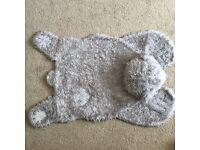 Tatty Teddy blue nose rug