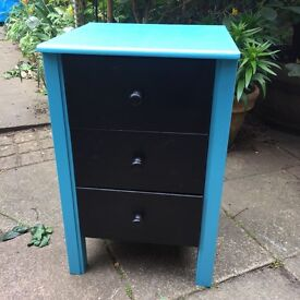 Children's small chest of draws
