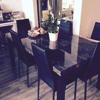 Like new dining table and six chairs
