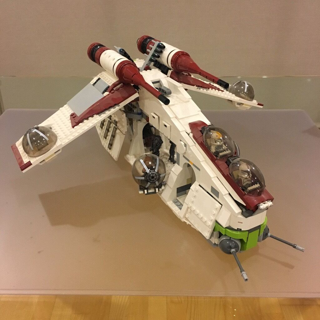 Lego Starwars 75021Republic Gunshipin Camden, LondonGumtree - Sold as seen in the pictures. I think its missing one of the jedi (I believe Obi Wan). This ship has always been in display on a self. Lego set 75021