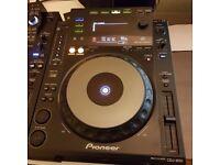 Pioneer CDJ 900 (pair)