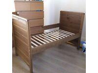Mamas and Papas Andorra cot bed