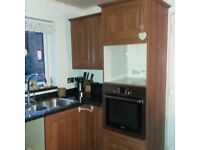Used kitchen in very good condition with extractor fan, Bosch oven and Bosch 5 ring gas hob