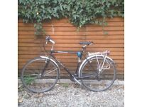 Trek Hybrid commuter BIKE FOR SALE to a good home. Good condition.