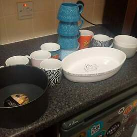 Hi having a clearout in my kitchen Dishes..