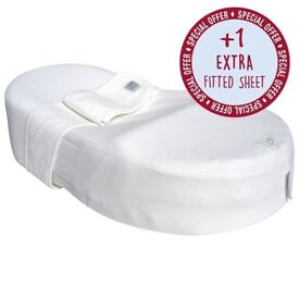 BRAND NEW Redcastle Cocoonababy Nest with FREE extra sheet & waterproof cover