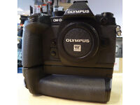 Truly Excellent OLYMPUS EM-1 mk1 Body and HLD-7 Grip (Just £380)