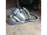 Cylinder Dyson. Old & tatty but good working order