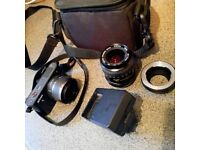 Nikon 1 J1 mirrorless camera Black in Immaculate condition + 2 lenses + Bag